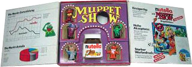 File:Ferrero-Nutella-MuppetShow-Diorama-Inside-(1987).jpg