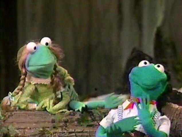 File:Paradise Swamp frogs 06.jpg