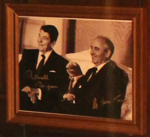 File:Kermit-Reagan-Gorbachev.jpg