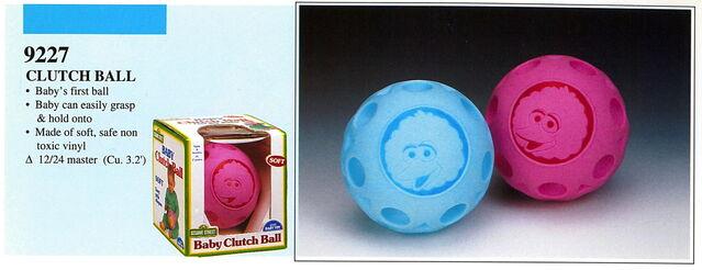 File:Illco 1992 baby toys clutch ball.jpg