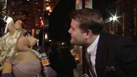 BAFTA-Awards-2012-MissPiggy&JamesCorden