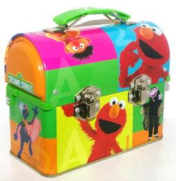 Msrf inc 2005 sesame tin lunchbox 1