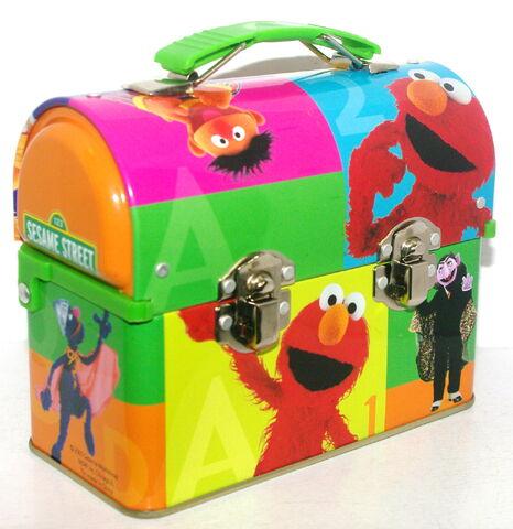 File:Msrf inc 2005 sesame tin lunchbox 1.jpg