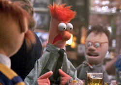 Beaker's Piggy impression in 1x04 Pig Out