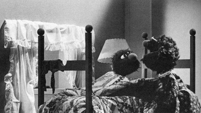 File:Grovers mom bedroom.jpg