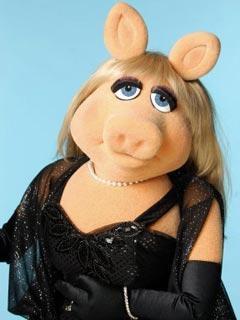 File:TF1-MuppetsTV-PhotoGallery-20-MissPeggy.jpg