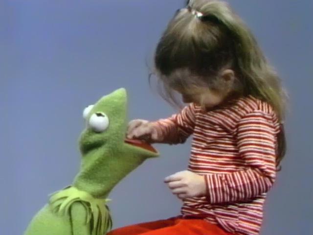 File:KermitJoey.Ticklish.jpg
