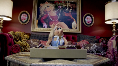 Miss Piggy's Dressing Room (The Muppets (2015))