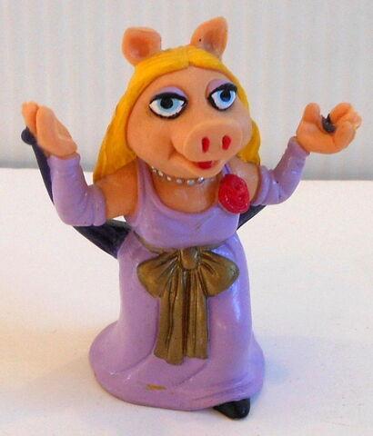 File:Spain miss piggy pvc.jpg