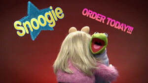 TheMuppetsKitchen-SlumberParty-Snoogie
