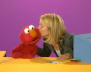 File:Kiss Elmo Christina Applegate.jpg