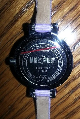 File:Fossil limited edition miss piggy watch 1.jpg