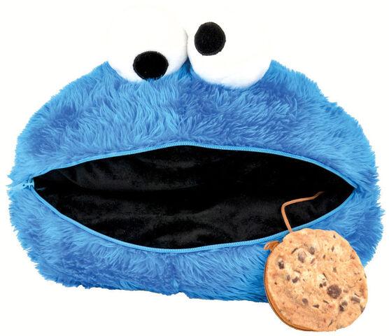 File:United labels germany 2015 pillow kissen cookie monster.jpg