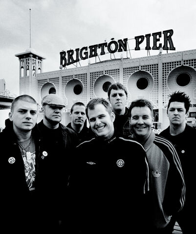 File:Dropkick Murphys - Group Photo (by Paul Harries).jpg