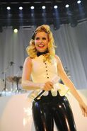 Paloma-faith-live-in-latex-camden-roundhouse 13