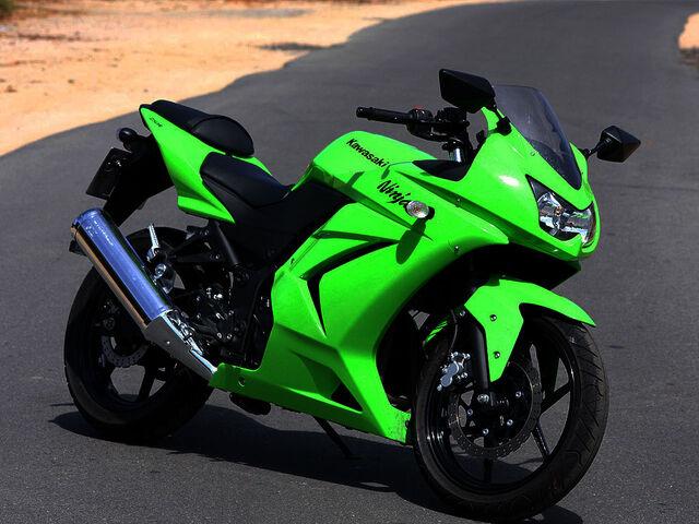 File:Kawasaki Ninja 250 R 4043 13.jpg