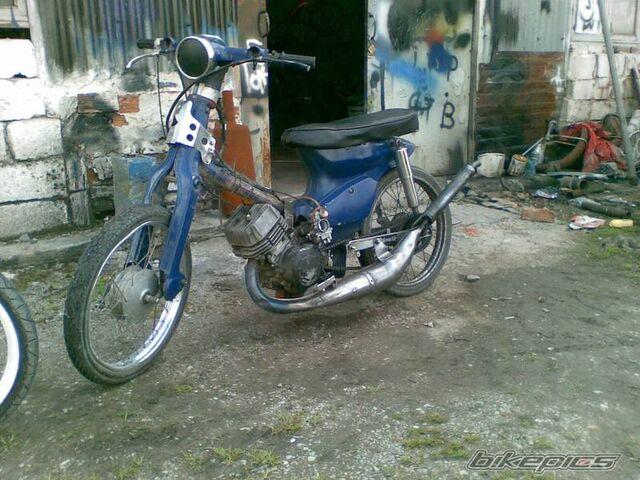 File:Bikepics-1606399-800.jpg