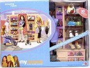 My Scene Shopping Spree Dressing Room