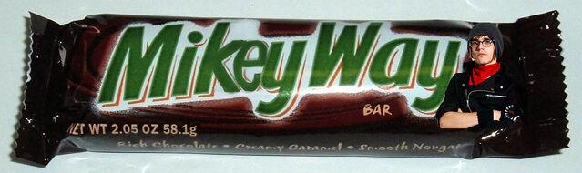 File:Mikey Way Bar.jpg