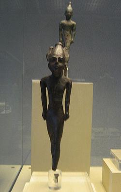 File:250px-Estatuillas votivas del templo de Hércules Gaditano.jpg