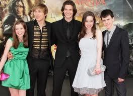 File:Narnia paris.jpg
