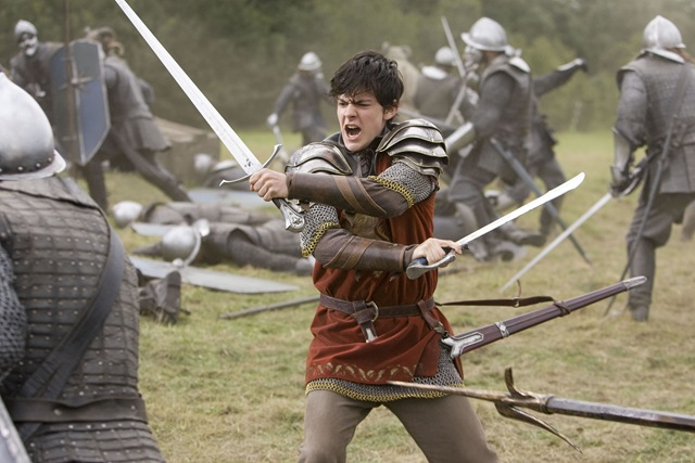 File:Edmund-pevensie-in-battle-with-the-telmarine-soldiers.jpg