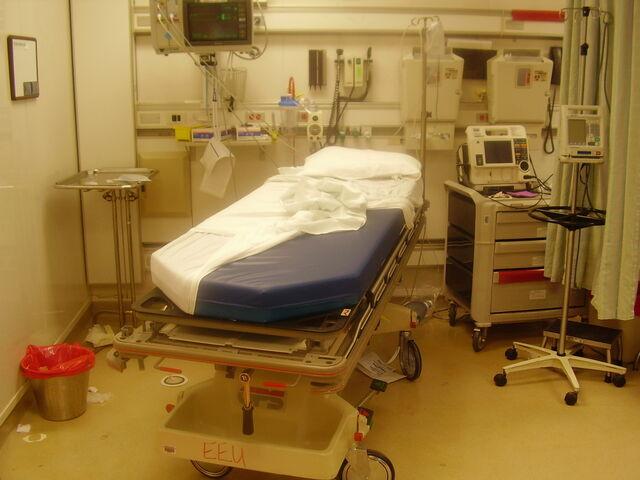 File:Intensive Care.jpg