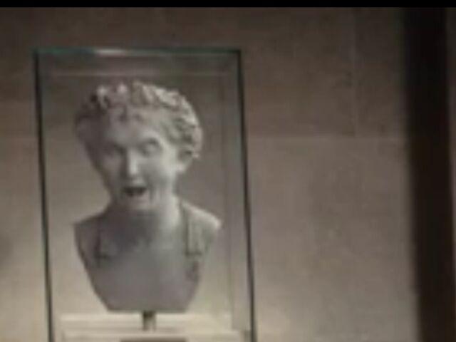 File:Statue head.jpeg