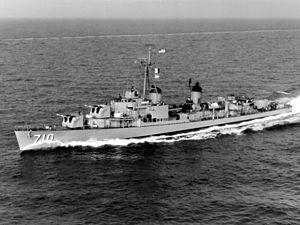 File:USS Gearing (DD-710) in the Mediterranean Sea in 1960.jpg