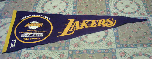 File:1972 Los Angeles Lakers Champions Pennant.jpg