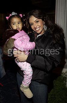 File:Vanessa bryant holding her daughter natalia.jpg