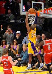 Kobe Bryant dunking 2013