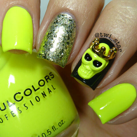 File:Sinful Colors Neon Melon Julep Sienna Tazeen Kate Brandt Halloween Skull Charm polish swatch 01.jpg