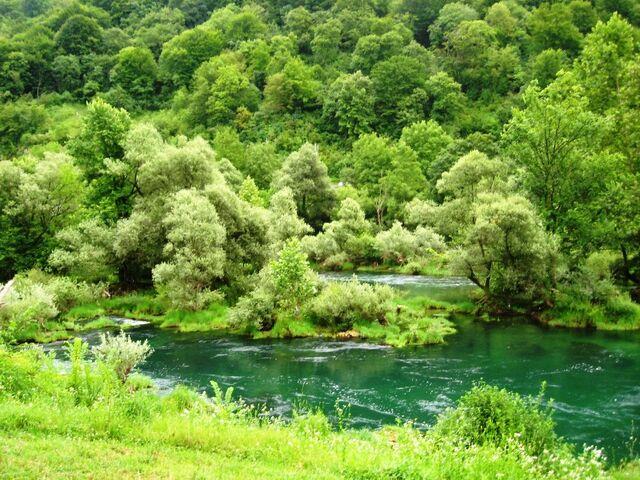 File:Hotel Sedra ispod Ostrozca 60782506.jpg