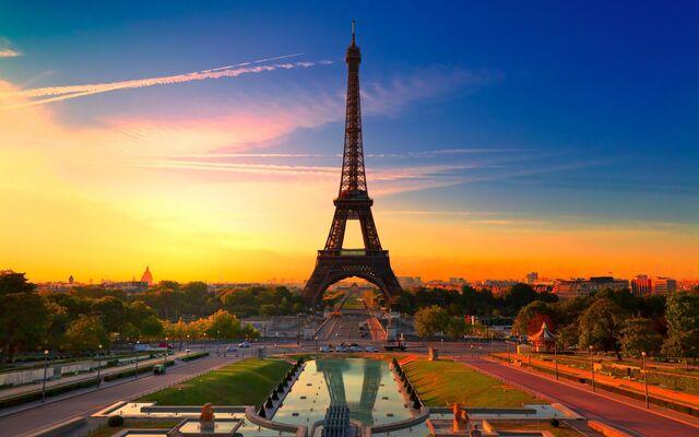 File:Eiffel-Tower-Paris-France.jpg