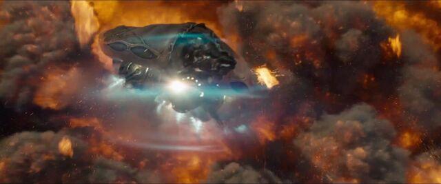 File:Man-of-Steel-Trailer-Images-Kryptonian-Spaceships-Escape-Krypton.jpg