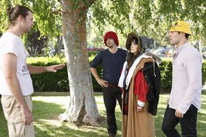 Zooey-deschanel- Episode-Still-15