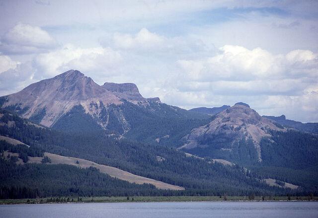 File:Mountain Uplands.jpg