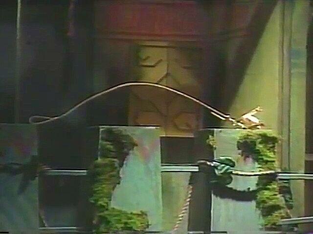File:Levitating Dog Leash of Nostradamus.jpg