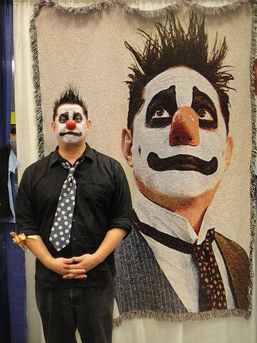 File:Long Beach Comic Expo 2012 - Angus Oblong.jpg