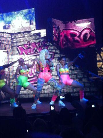 File:Nicki Minaj Pink Friday Tour2.jpg