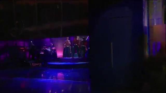 """Nicki MInaj Performs """"Pound The Alarm"""" On Tonight Show With Jay Leno"""