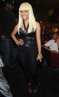 File:Nicki 5 BET hip hop 2010.png