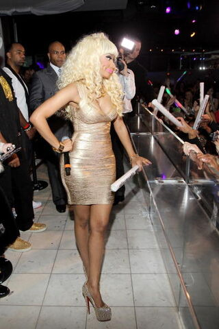 File:Nicki at pure 3.jpg