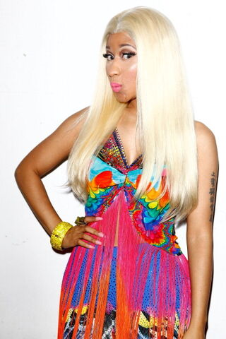 File:Nicki-minaj-2012-aria-awards-australia2.jpg