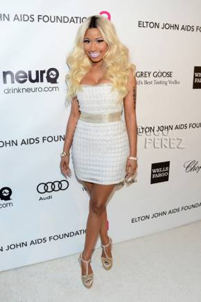 File:Feb-24-nicki-minaj-elton-john-event-getty iphone 290.jpg