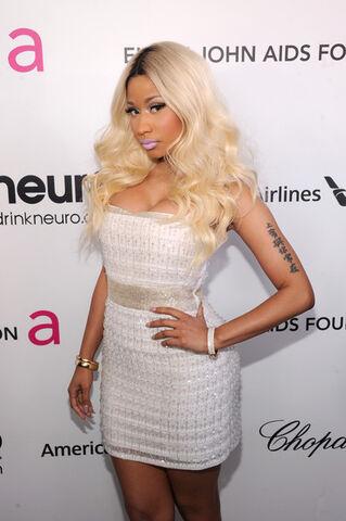 File:Nicki+Minaj+21st+Annual+Elton+John+AIDS+Foundation+ UHVxe B6lTl.jpg