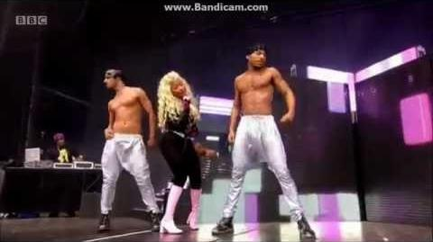 Nicki Minaj - Hackney Weekend - Monster, Bed Rock, Starships, Pound The Alarm, Turn Me On.