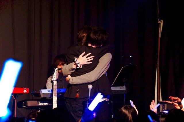 File:Shooaisu in live on 20151112.jpg