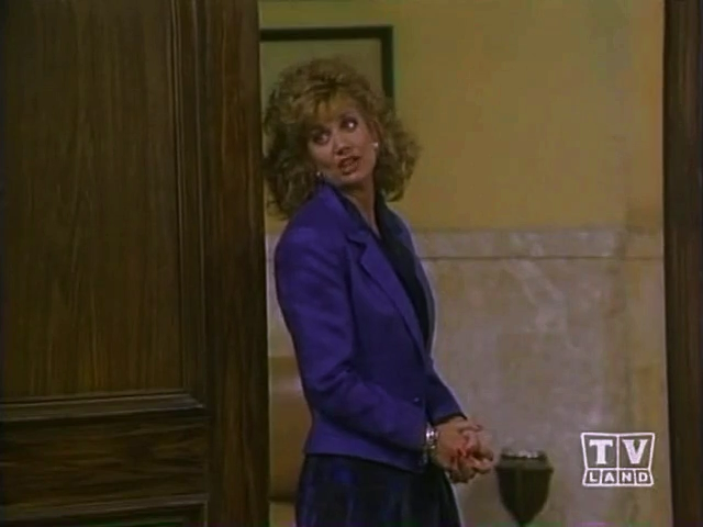 File:Ep 5x22 - Anne Bloom as Wanda Chaney.png